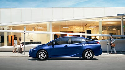 2016 toyota prius features and specs toyota dealer matthews nc scott clark 39 s toyota. Black Bedroom Furniture Sets. Home Design Ideas